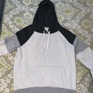 American Eagle: 3-toned hoodie, size L